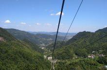 九华山是一处值得大家深刻来游览的景点,而在九华山当中有几处景点是需要买交通票的。其实这也完全看大家自