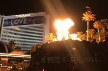 拉斯维加斯~酒店的火焰表演
