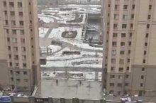 对于南方人,很少看到下雪的景色了!在乌鲁木齐却是常有的事情!喜欢这样的风景!