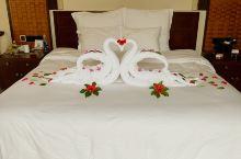 三亚亚龙湾铂尔曼别墅度假酒店 每年都要来两三次,每次都喜欢住在这里,别墅很安静,私密性也好!服务态度