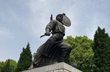 小小黄安 人人好汉 铜锣一响 四十八万 男将打仗 女将送饭——红安人有侠义 董老作为党和新中国的重要
