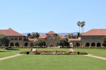 斯坦福大学,全名小利兰·斯坦福大学,简称斯坦福,是世界著名私立研究型大学,美国大学协会