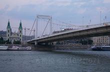 多瑙河之波,蓝色的多瑙河。。。。关于多瑙河有很多传说,对于我来说最美的是河流上桥。