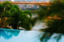 西双版纳罗梭江畔,安纳塔拉美景与美食同在