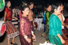 在老挝参加异国婚礼见闻。