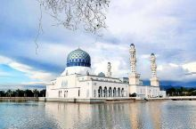 水上清真寺是兰州的清真古寺之一,建筑面积约488平方米,始建于民国三年,兰州水上清真寺位于黄河北岸,