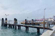 船上看风物,吹和风、望大海…浪漫之都威尼斯,值得你去轻松一下!不愧为水城,船是这里的交通工具!想念威