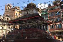 尼泊尔老城还很有历史感的,只可惜飞上天看喜马拉雅山差点让我在天上吐了,等疫情过去再回尼泊尔。