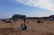 景区地道很大,不过个人认为把沙滩圈起来收费是有点过分,沙子质量一般,就是离的近,别的没啥优势