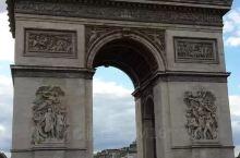 Paris的埃菲尔铁塔和凯旋门