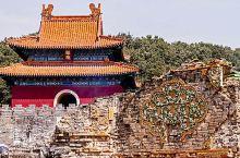 明显陵由王墓改造而来,是中国中南六省唯一的一座明代帝陵,占地面积大,达183.13公顷,是明代帝陵中