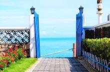 最美花鸟岛旅拍第一辑。 从沈家湾坐船两个半小时即可抵达。 蓝天,大海,沙滩 岛上处处有惊喜,步步是美