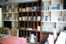 民宿里藏着一家私人图书馆