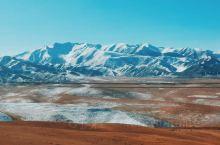 """一路丹霞地貌,拐角就是雪山。 扎(zhā)尕(gǎ)那,藏语意为""""石匣子"""",石头箱子的意思,白色的石"""