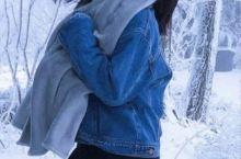 我难以忘怀的三清山飞雪飘落在你的脸颊发梢
