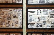"""在南宁国际会展中心城市书房举办的""""城市记忆之邕州情怀展"""",展出陈列众多老物件,比如一进门就看到的家庭"""