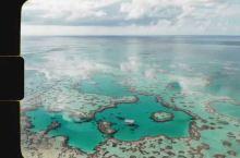 #圣灵群岛的美丽传说#  汉密尔顿岛 (Hamilton Island) 推出的心形礁 (Heart