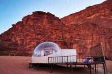 为了不浪费满天的星星,一定要住在瓦迪拉姆的星空帐篷酒店。以前这里是一个研究机构的工作站,后来创意设计