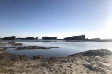 夕阳西下的水上雅丹