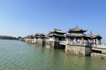 """广济桥俗称湘子桥,与赵州桥、洛阳桥、卢沟桥并称为""""中国四大古桥""""。 ·桥面古香古色,桥身横跨韩江,素"""