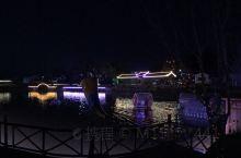 莲山村夜景