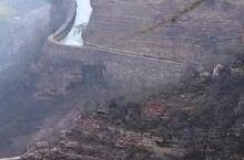 """红旗渠,位于河南省林州市,国家5A级旅游景区,全国重点文物保护单位,有""""人工天河""""之称。 红旗渠工程"""