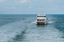 凯恩斯太阳恋人号大堡礁游轮是一定要前来体验的水上项目,大家可以乘坐这艘船来到大堡礁的深处,在教练的带