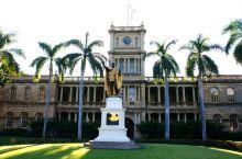 火奴鲁鲁是美国夏威夷州的首府,位于北太平洋夏威夷群岛中瓦胡岛的东南角,延伸于滨河平原上。火奴鲁鲁气候