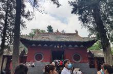 少林寺位于河南登封市蒿山少室山脚下,是一座千年古刹,因为一部电影而名扬海内外,国家了一