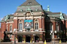 花园城市汉堡秀美的音乐厅和花卉公园。