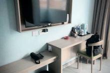 前台服务很好,房间很干净环境好周边安静。