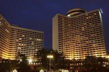 哇!广州花园酒店的外立面真的太美了叭