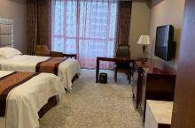 房间宽敞舒适,很干净!