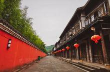 """红墙黑瓦间,竟有几分""""江南故宫""""的韵味"""