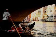 住下之后己是近傍晚时分,此刻正是拍摄威尼斯''大运河''最好时间段,立即开拔穿街过巷朝着观赏大运河最