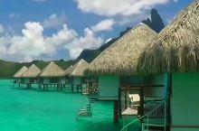 薇拉瓦鲁岛,远离尘嚣、宁静悠闲,充满了原始风情。