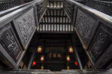 作为江南六大古镇、中国十大魅力名镇的南浔古镇曾经富甲一方,既有小桥流水的婉约,也有中西合璧的洋气。除