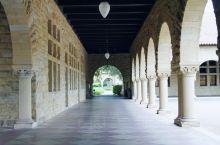 '石头'墙面长廊
