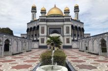 文莱首都 文莱酒店 位置极佳 性价比高 宣传材料上称文莱酒店是一个历史遗迹酒店,建于1957年,20