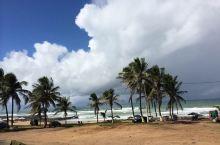 🍀 萨尔瓦多漫长的海岸线,绵延几十公里或者更长,也甚至整个巴西的沿海城市,活跃着从十来岁的少年到五六