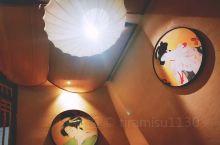 对我来说 小樽一直是一个充满浪漫情怀的地方 这家居酒屋也特别温馨 深夜食堂的感觉 菜品做的很精致每一