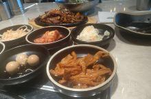Stockland Baulkham Hills购物中心新开的一家韩国餐厅 从一个小道里上到二楼 中