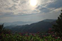 有茶有书有花有文艺气息的民宿,风景优美的四明山风景区,观光平台适合拍照。尝尝当地美食,梁弄大糕真的好