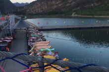 身为一个三坡人居然都没逛过几个景点,去年夏天回去玩了漂流,山地车,网红彩虹桥,玩的太高兴了,还想钓鱼