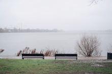 如果你到汉堡旅游,一定要留出至少半天的时间在阿尔斯特湖边的河道逛逛,这里本来就是汉堡城中人气很高的旅