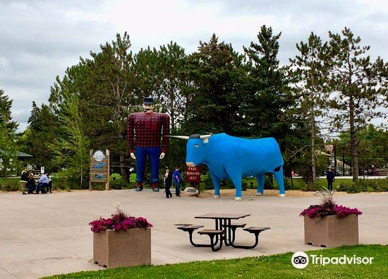 Paul Bunyan and Babe the Blue Ox3