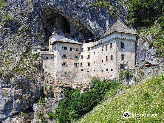 Predjama Castle2