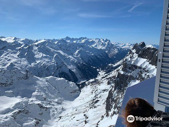 TITLIS Cliff Walk2