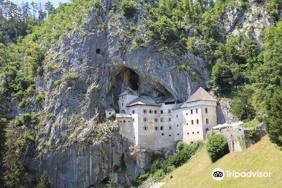Predjama Castle4