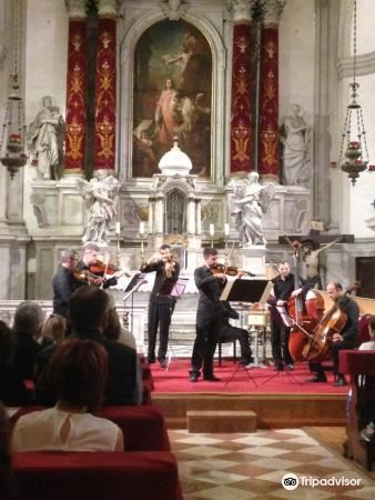 Vivaldi Church1